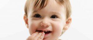 Igiena orală pentru bebeluși încă de la apariția primului dințisor.